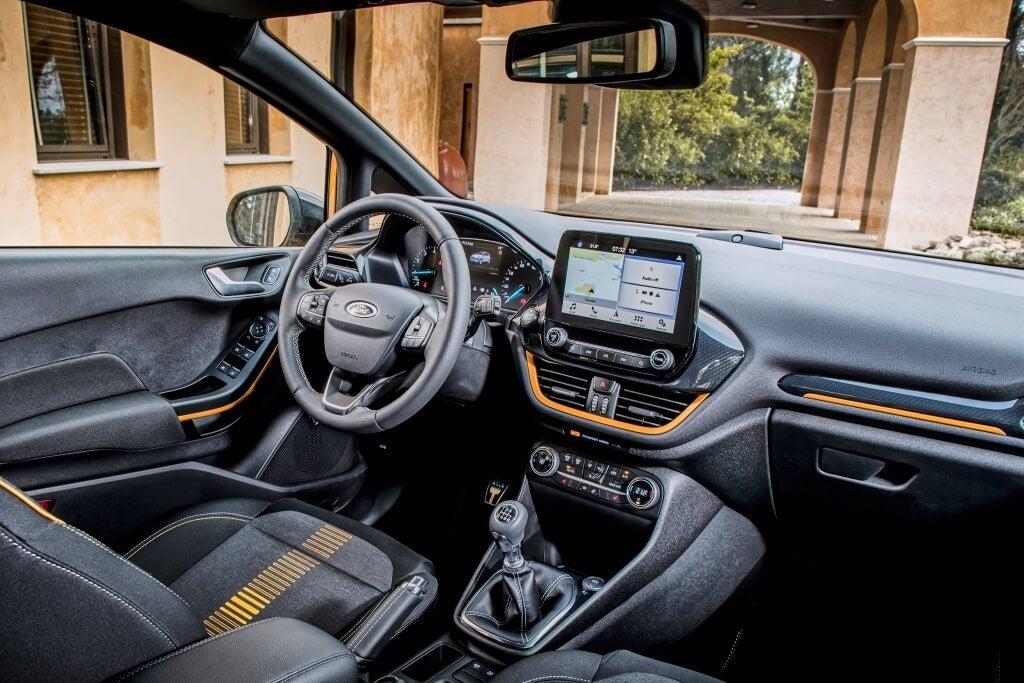 Interior del Ford Fiesta Active.