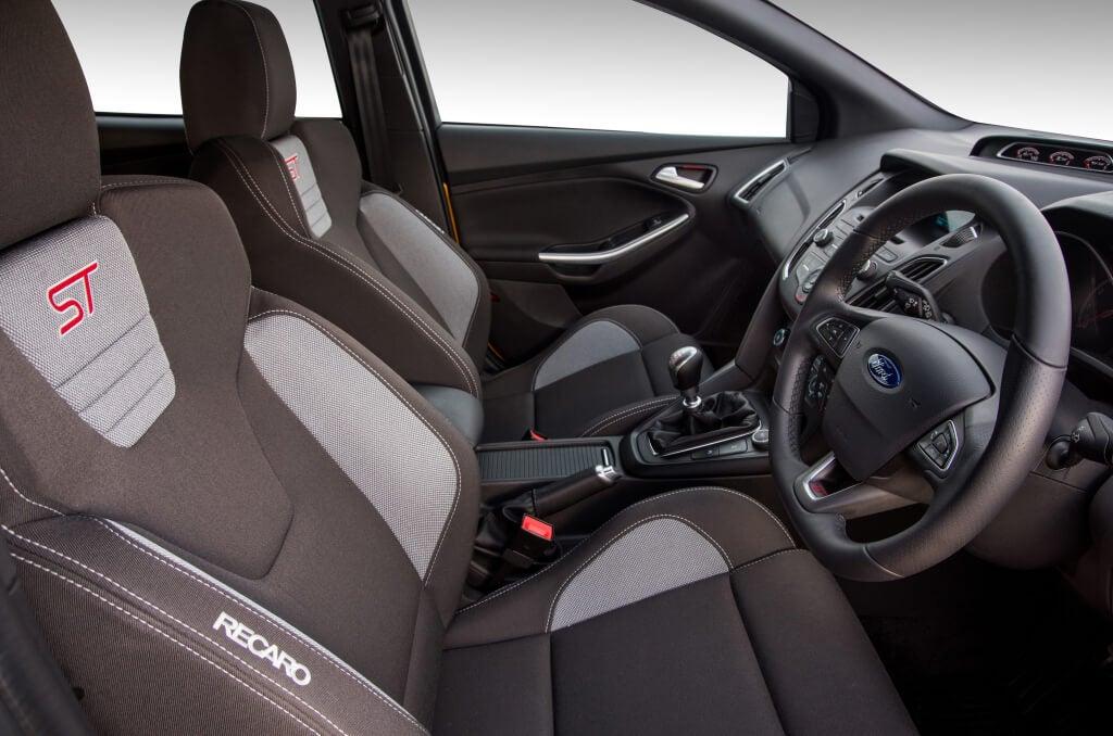 Interior del Ford Focus ST.