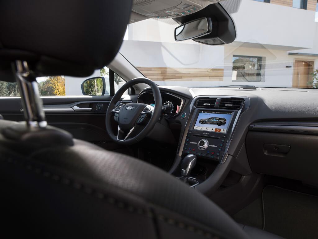 Ford Mondeo 2019: interior.