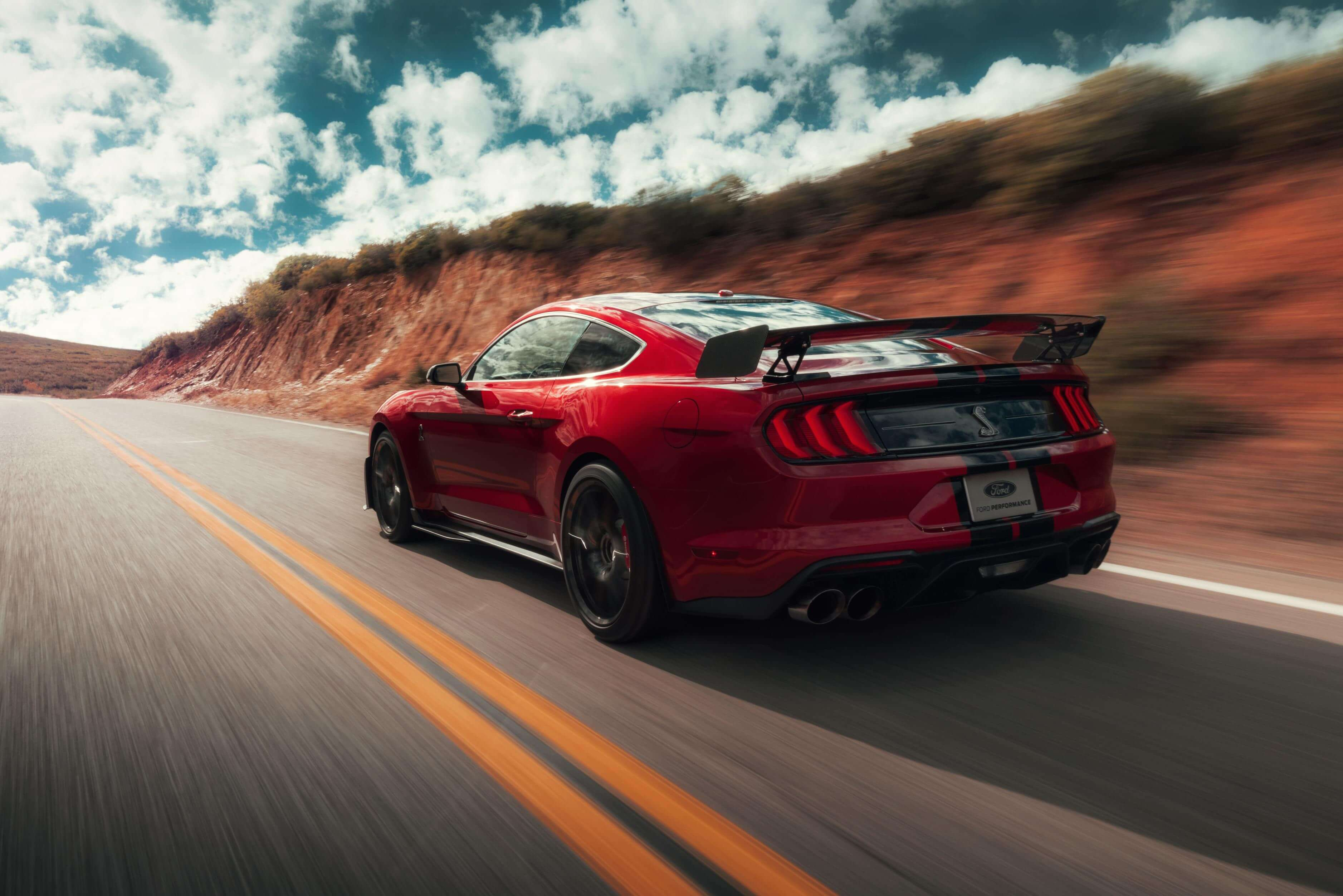 Ford Mustang Shelby GT500 2020: trasera