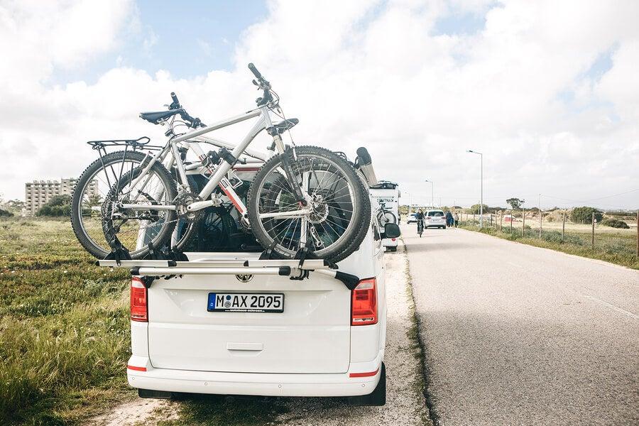 Llevar bicicleta en coche