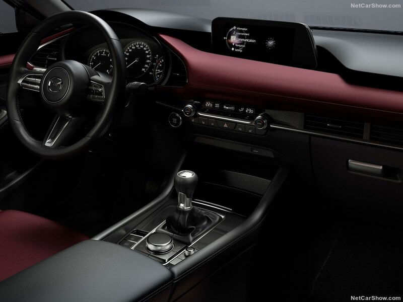 Mazda 3, interior.