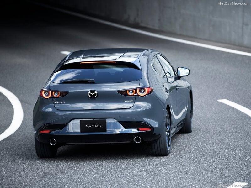 Trasera del nuevo Mazda 3.