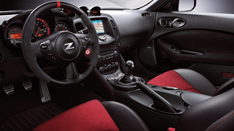 Nissan 370Z NISMO: interior