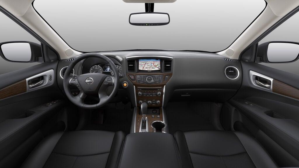 Nissan Pathfinder: interior