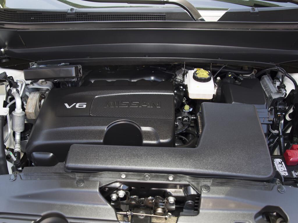 Nissan Pathfinder: motor