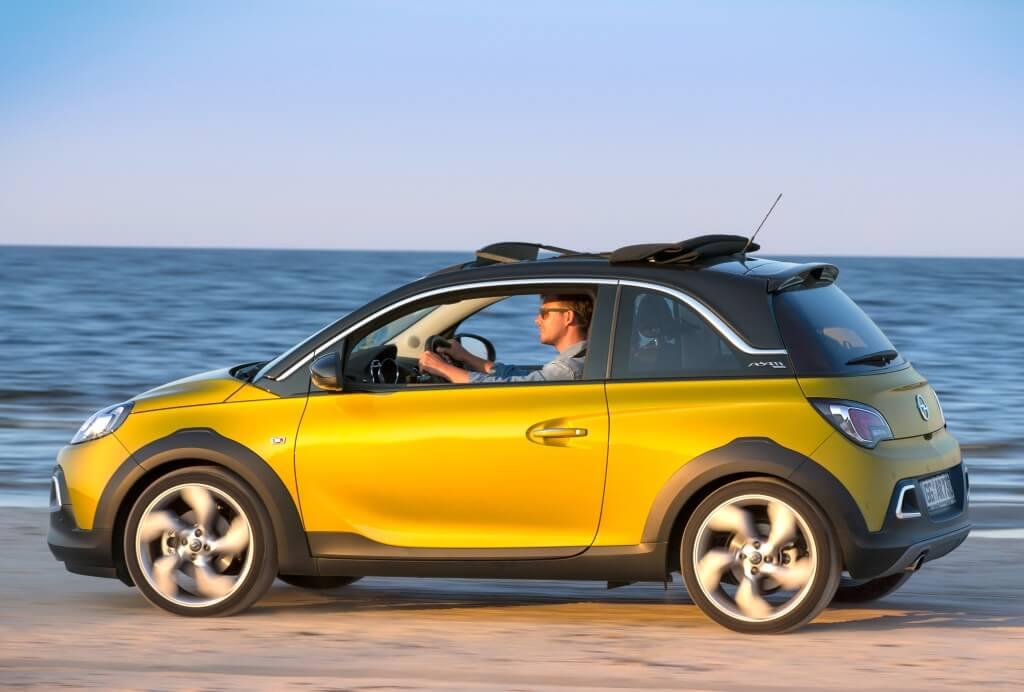 Opel Adam Rocks: vista lateral.