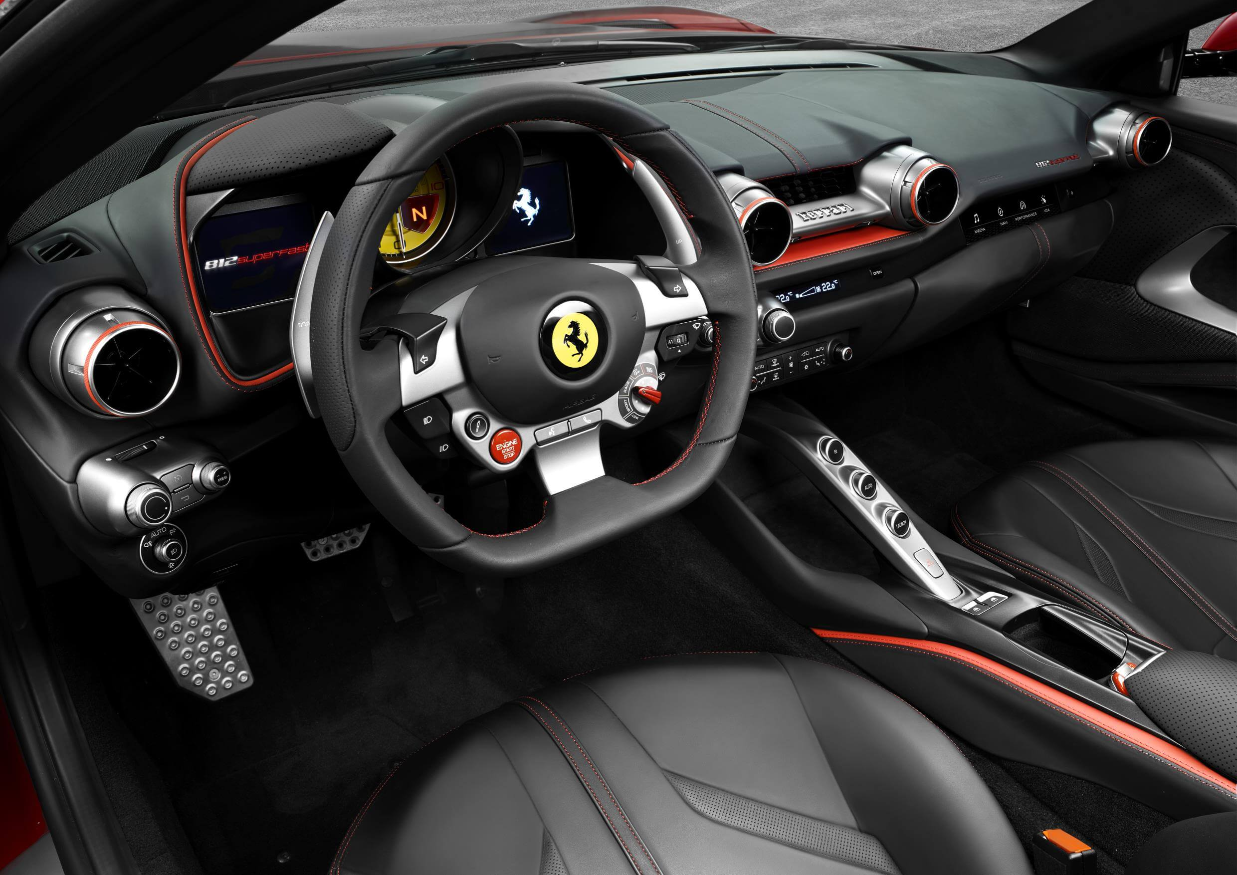 Ferrari 812 Superfast: interior