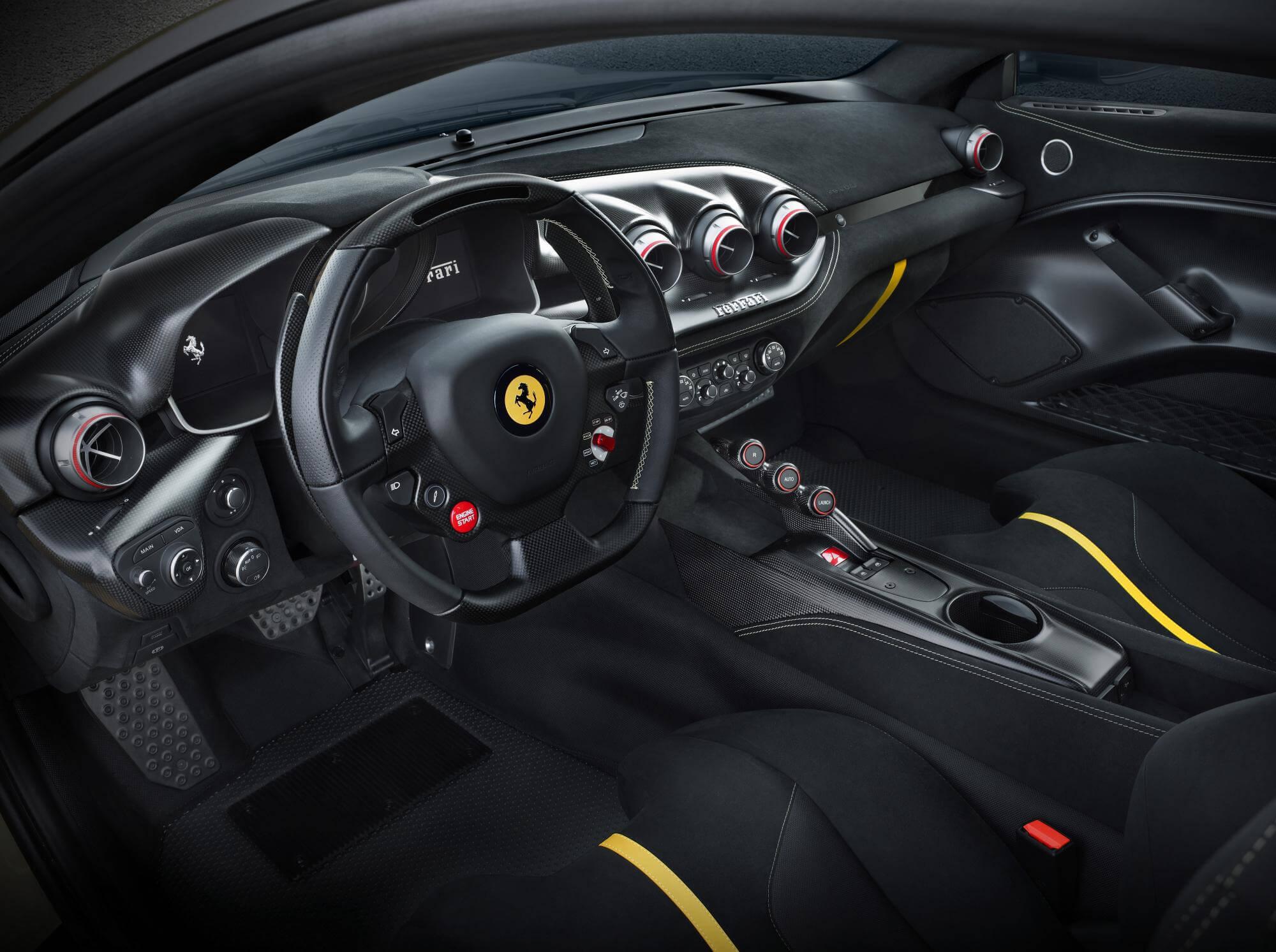 Ferrari F12 TDF: interior