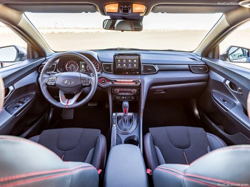 Hyundai Veloster 2019.