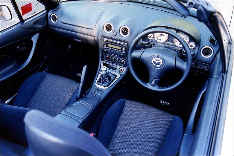 Mazda MX-5 SP Turbo: interior