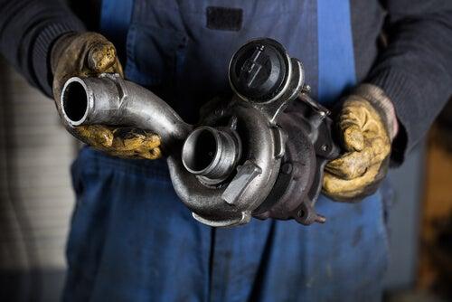 ¿Cómo funciona el turbo del coche?