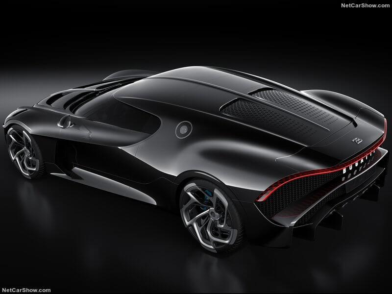 Bugatti La Voiture Noire: vista trasera aérea