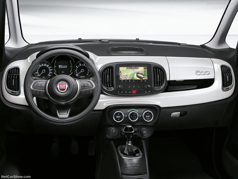 Fiat 500L, interior.