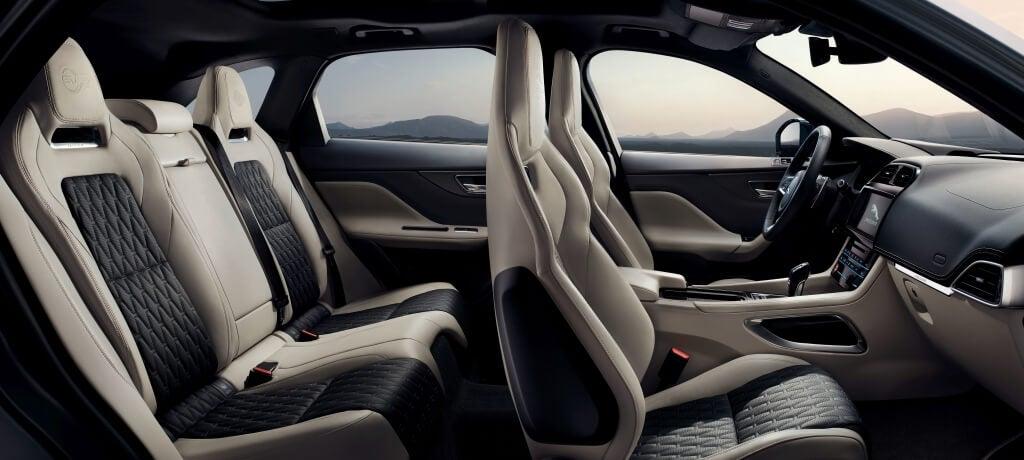 Jaguar F-Pace SVR: interior