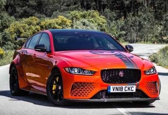 Jaguar XE SV Project 8: frontal