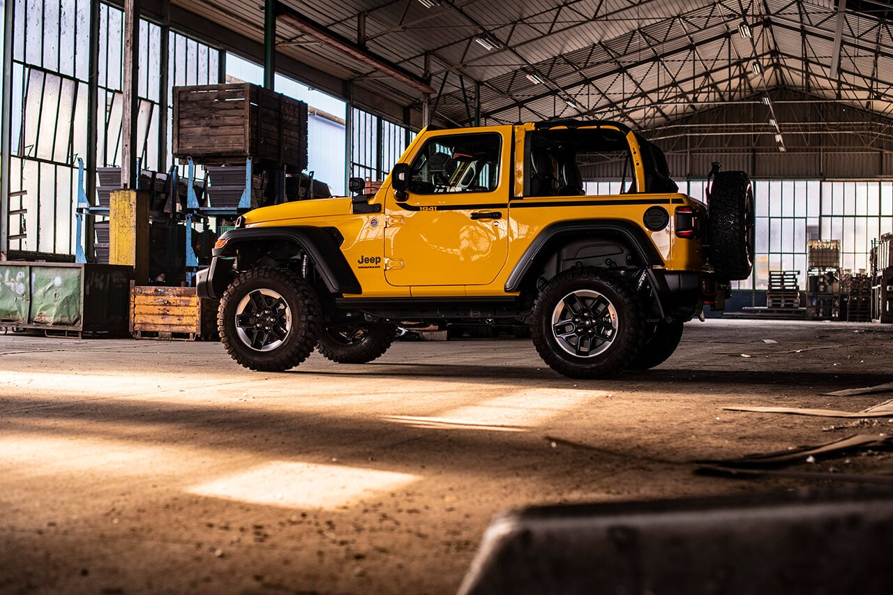 Jeep Wrangler Rubicon 1941: lateral