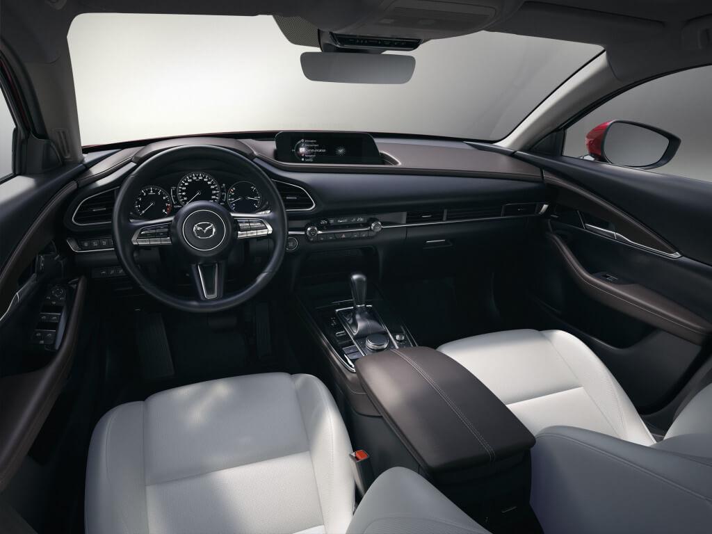 Mazda CX-30: interior.