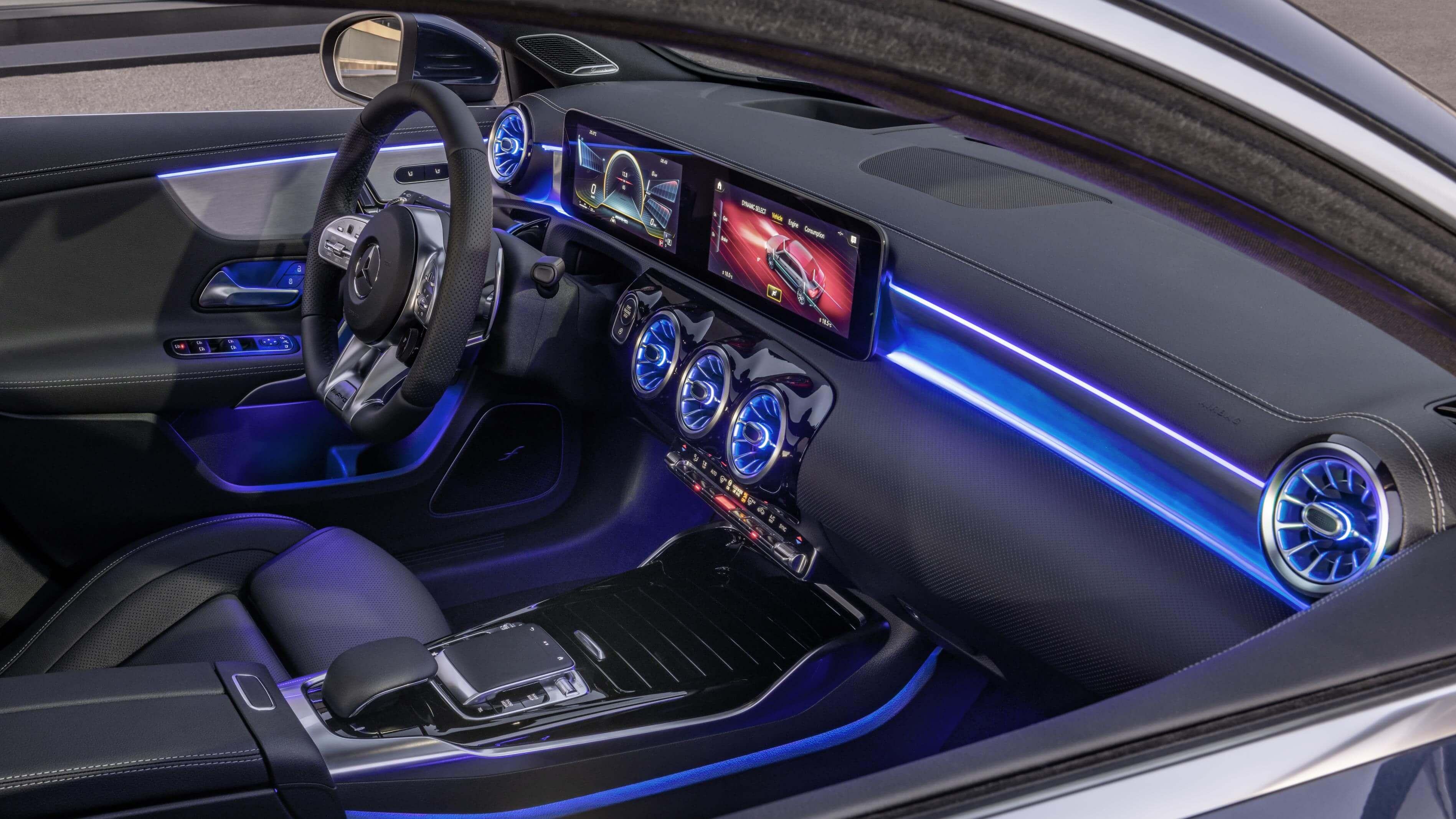 Mercedes-AMG A 35 4MATIC Sedán: interior