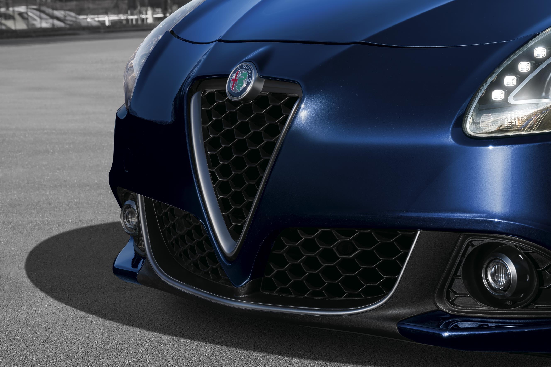 Alfa Romeo Giulietta 2019: calandra