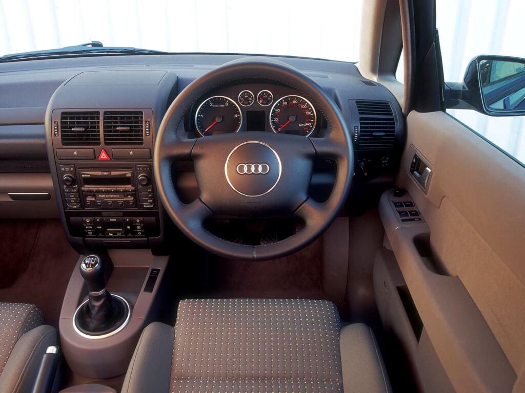 Audi A2: interior.