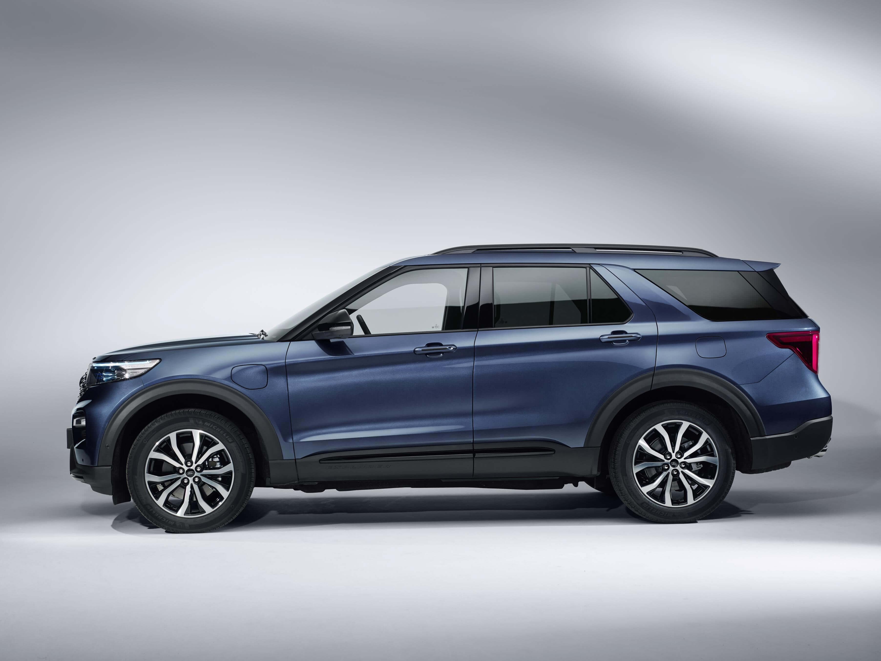 Ford Explorer 2019: lateral