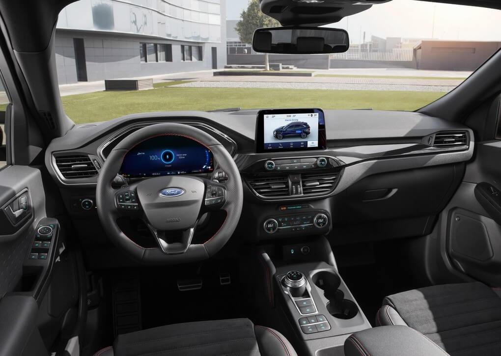 Ford Kuga 2019: habitáculo.