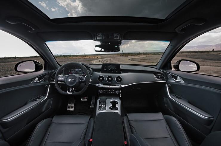Kia Stinger GTS: interior