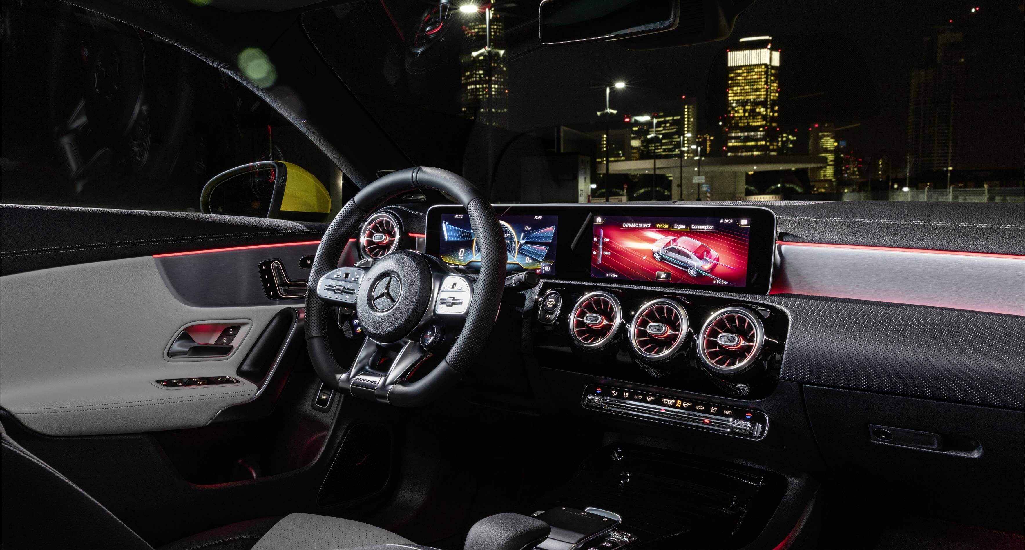 Mercedes-AMG CLA 35 4MATIC: interior