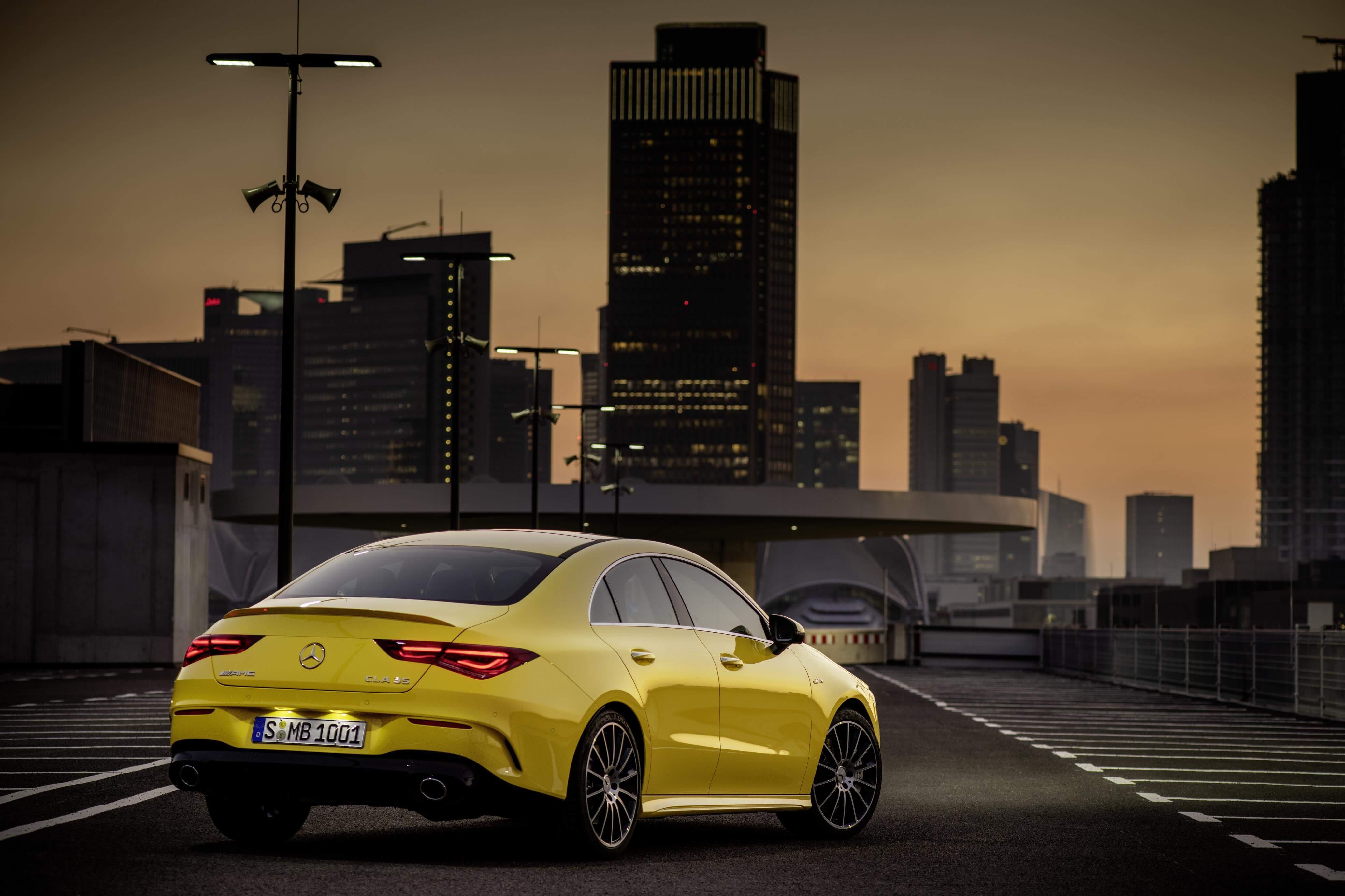 Mercedes-AMG CLA 35 4MATIC: trasera