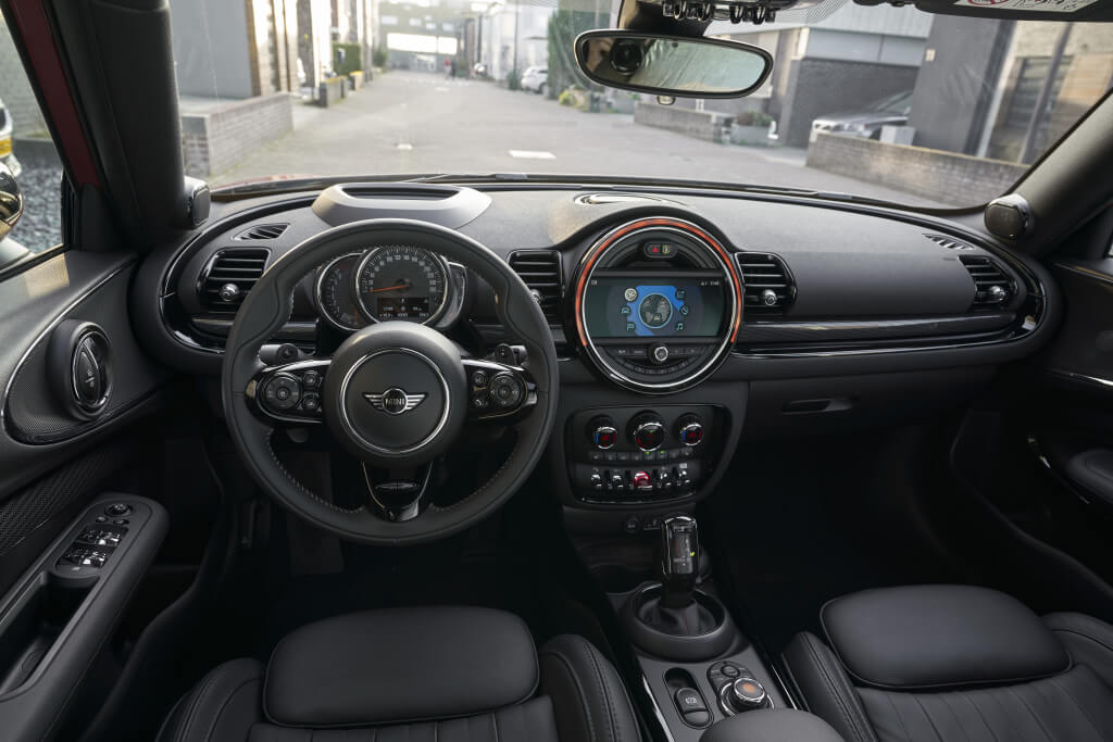 Mini Clubman 2020: interior.