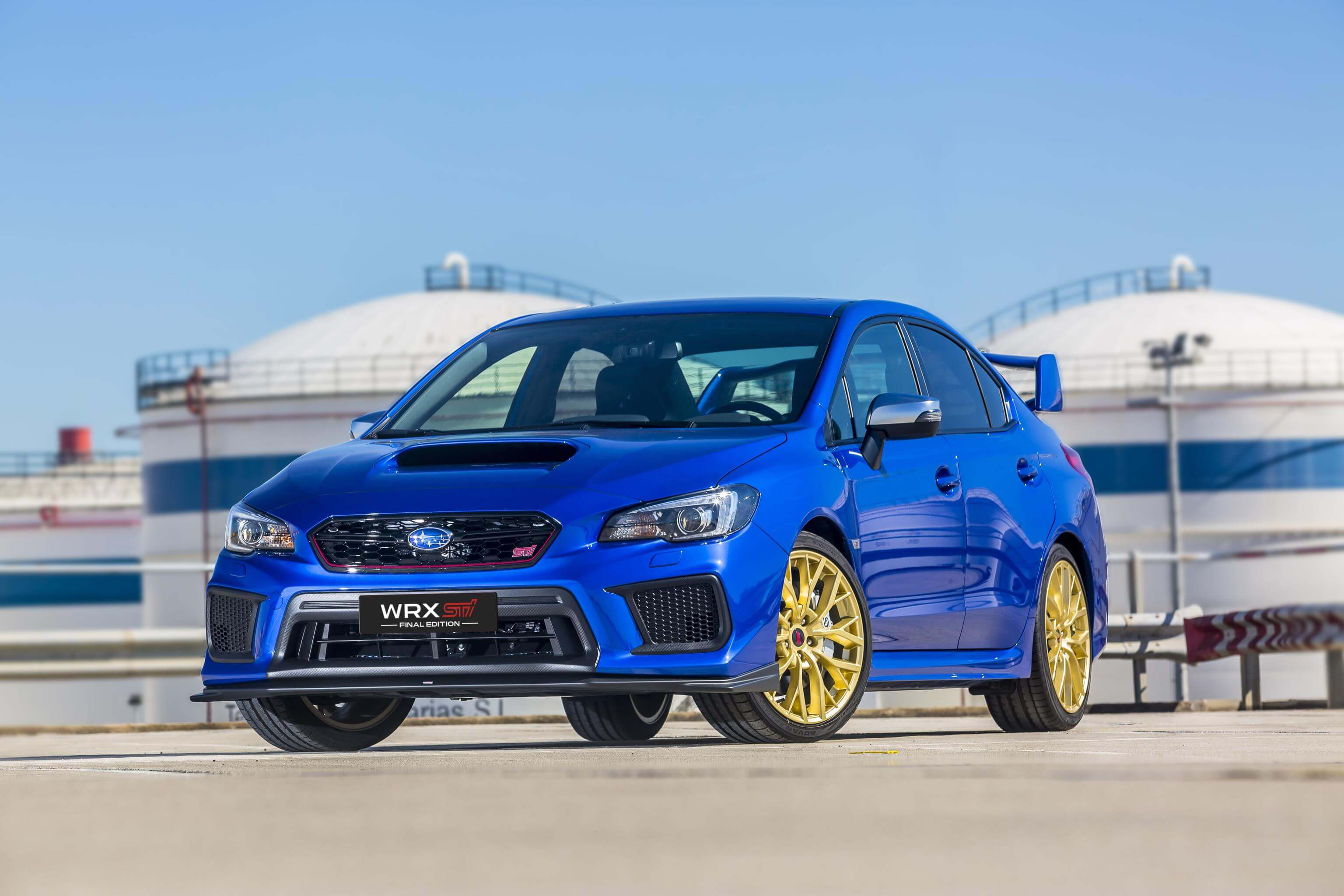 Subaru WRX STI Final Edition: frontal