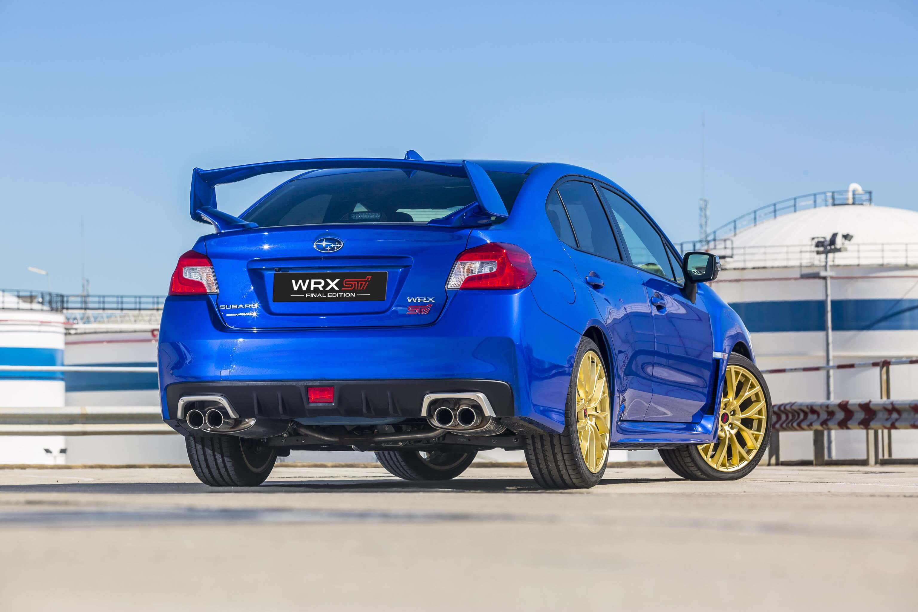 Subaru WRX STI Final Edition: trasera