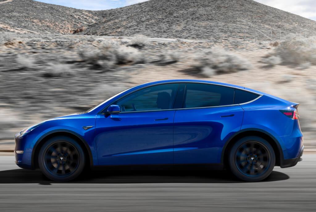 Tesla Model Y: lateral