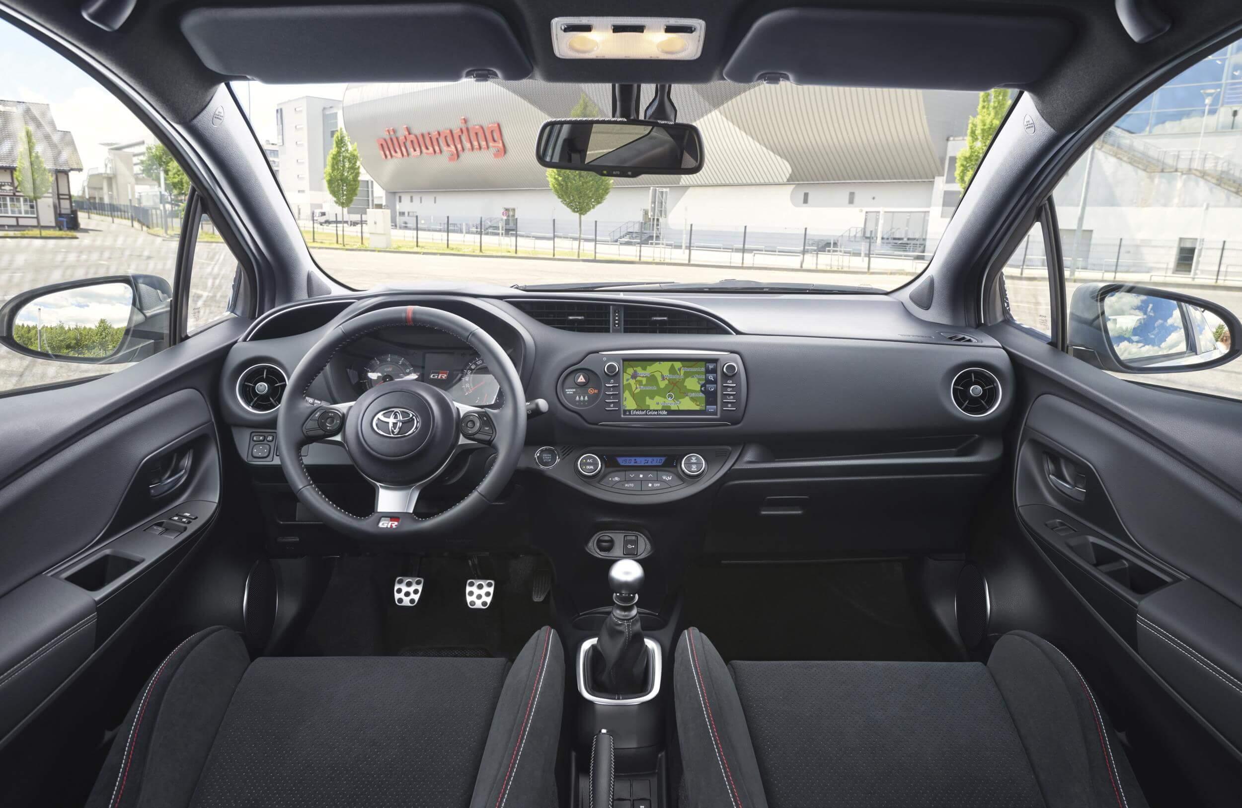 Toyota Yaris GRMN: interior