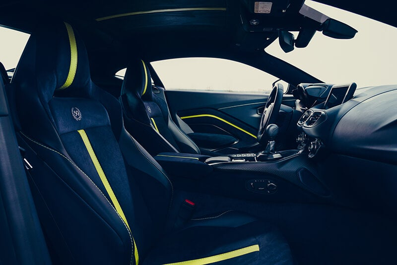 Aston Martin Vantage AMR: interior