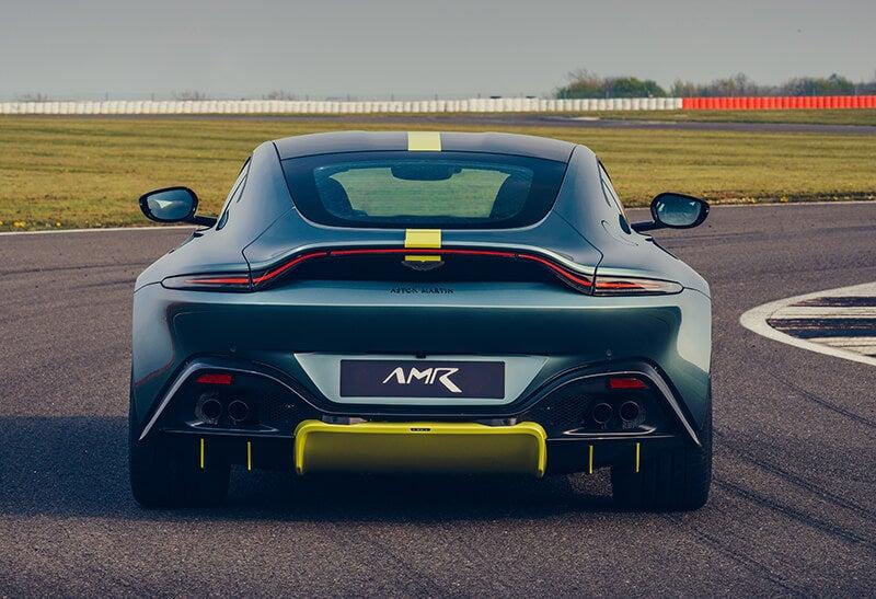 Aston Martin Vantage AMR: trasera