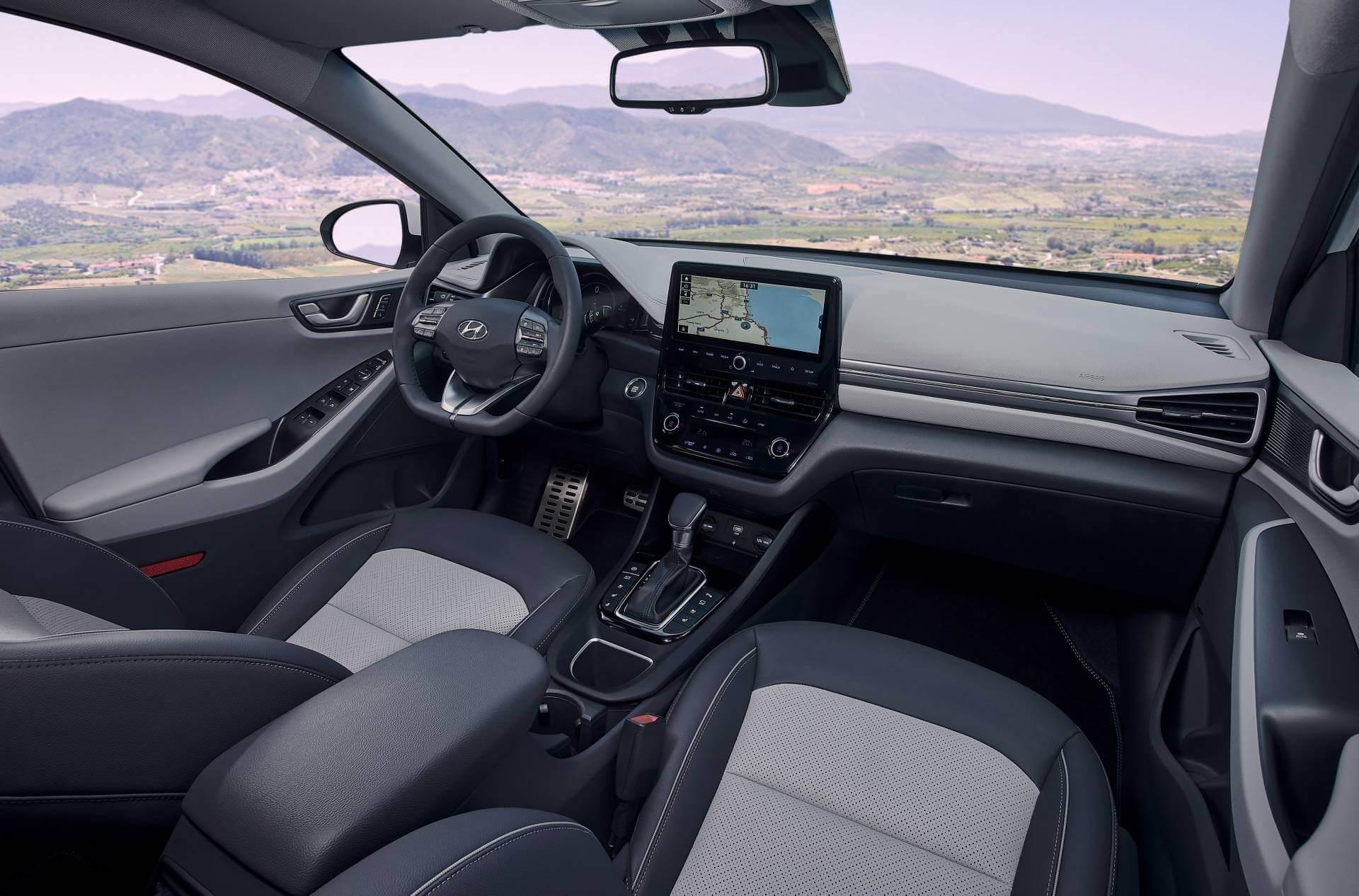 Hyundai IONIQ 2020: interior.