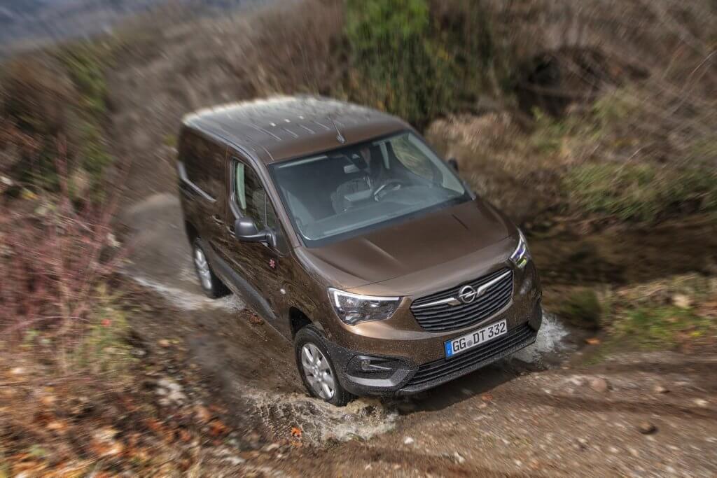 Opel Combo Cargo 4x4, el comercial que no teme al campo