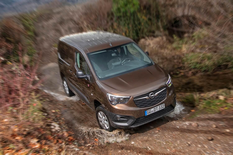 Opel Combo Cargo 4×4, el comercial que no teme al campo