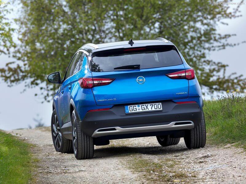 Opel Grandland X en ruta.
