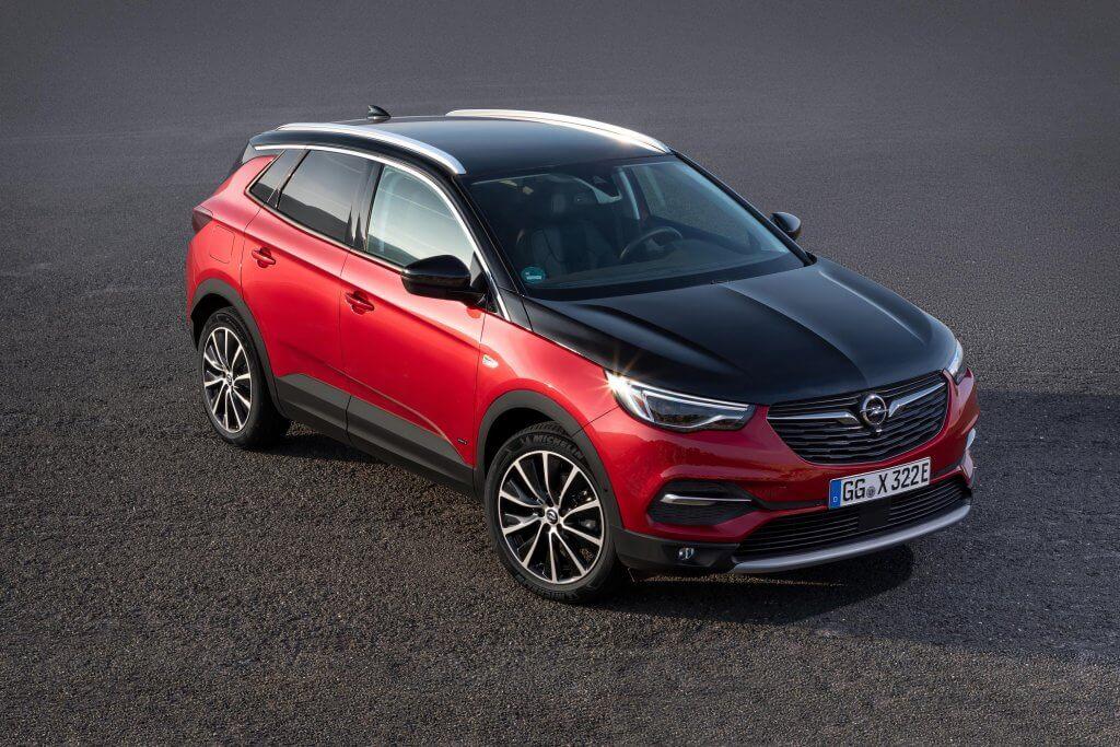 Opel Grandland X Hybrid4, potente, enchufable y 4x4
