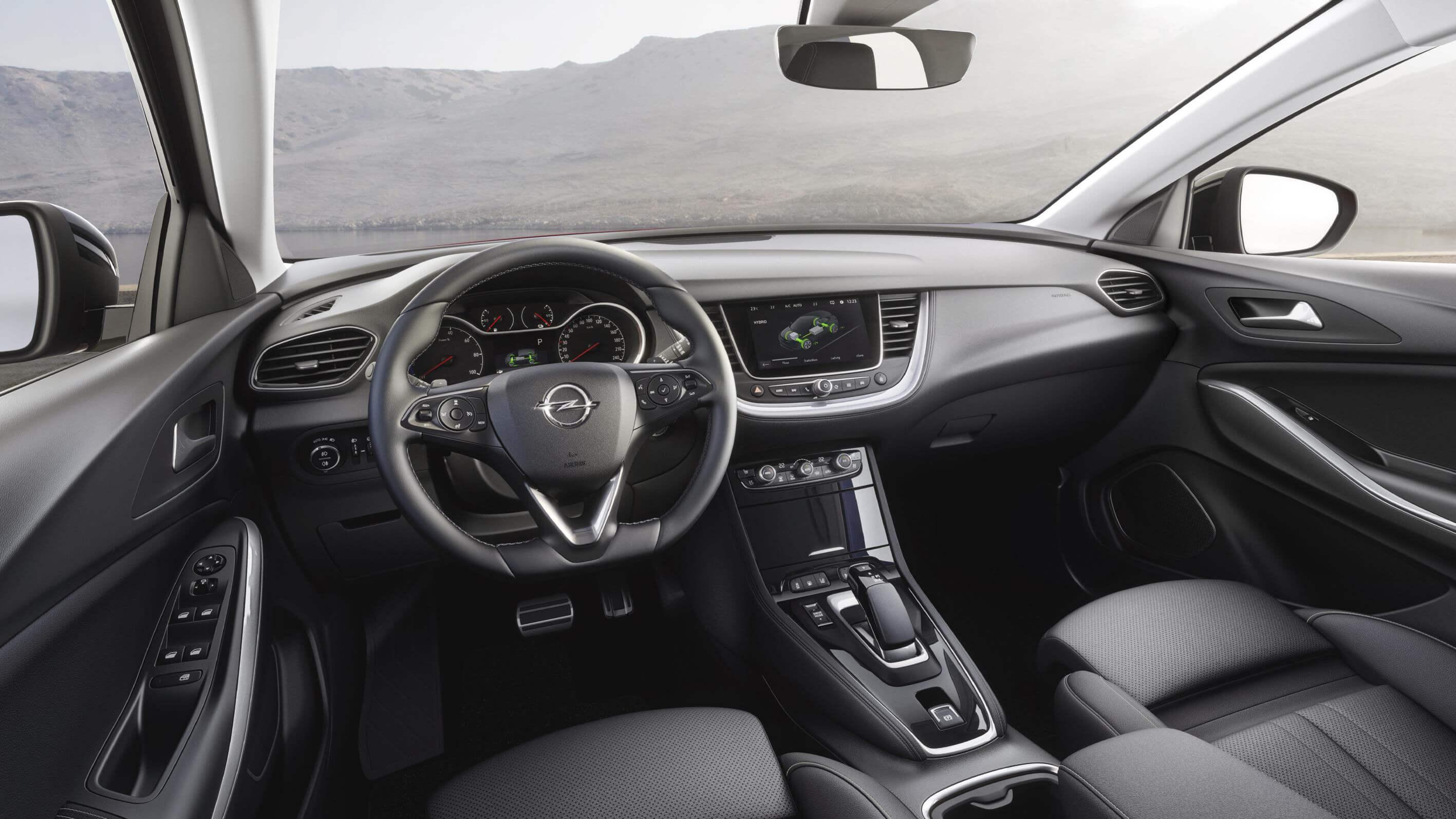 Opel Grandland X Hybrid4: interior