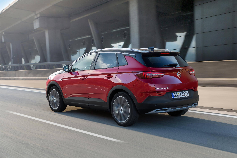 Opel Grandland X Hybrid4: trasera