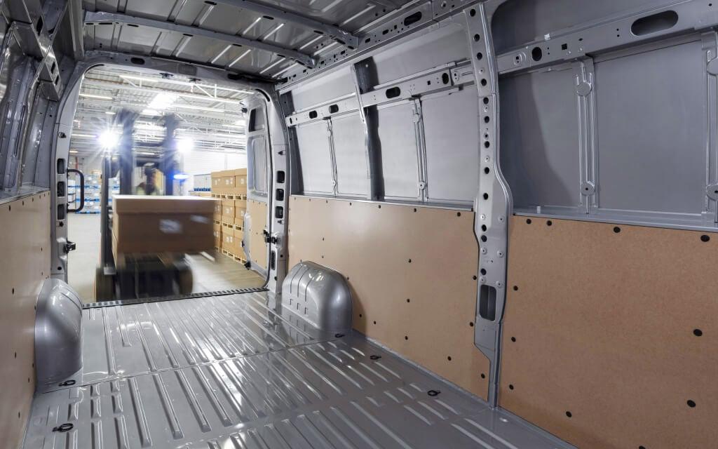 Opel Movano, caja.
