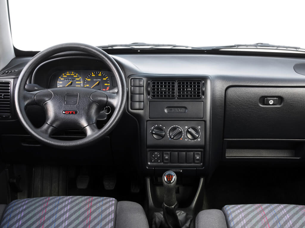 Seat Ibiza GTi 16V Cupra: interior.