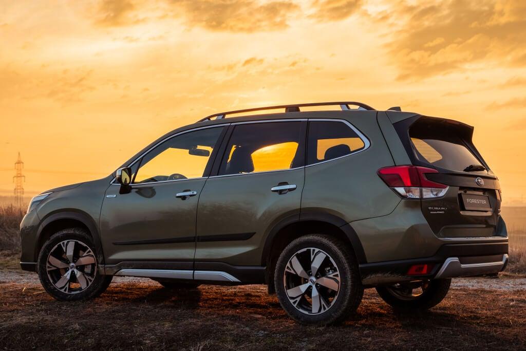 Subaru Forester e-Boxer: trasera.