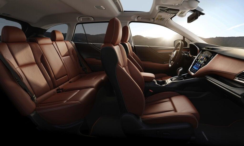 Subaru Outback 2019: interior.