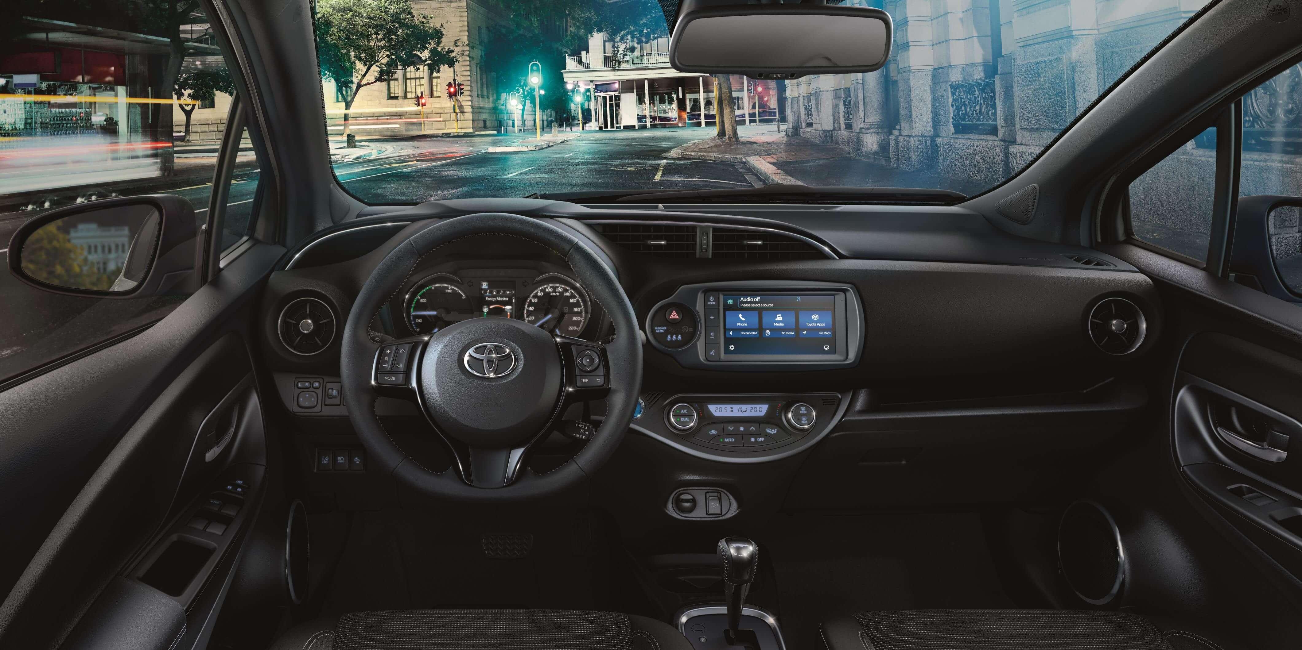 Toyota Yaris 2019: interior