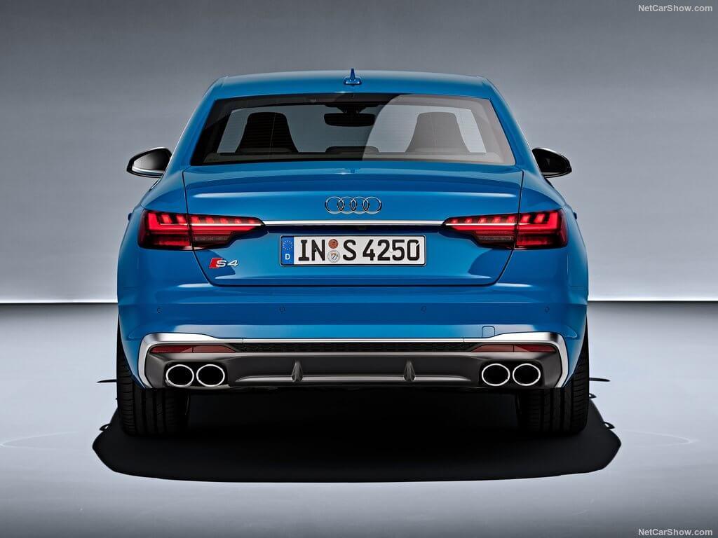 Trasera del Audi S4 2020.